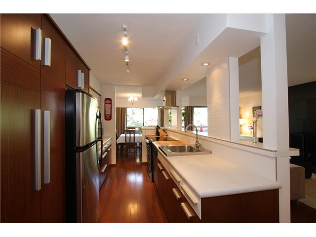 "Main Photo: 311 1720 W 12TH Avenue in Vancouver: Fairview VW Condo for sale in ""TWELVE PINES"" (Vancouver West)  : MLS® # V871297"
