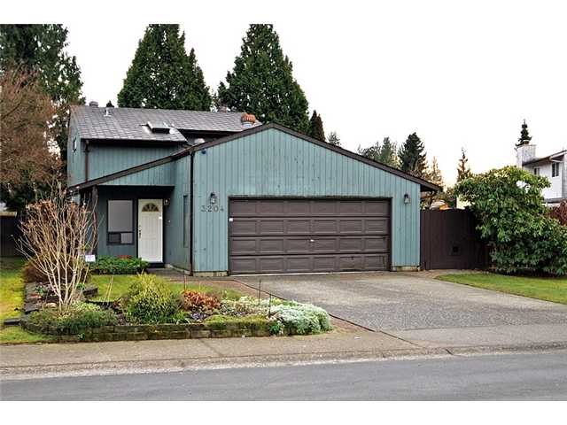 "Main Photo: 3204 DUNKIRK Avenue in Coquitlam: New Horizons House for sale in ""NEW HORIZONS"" : MLS®# V925778"