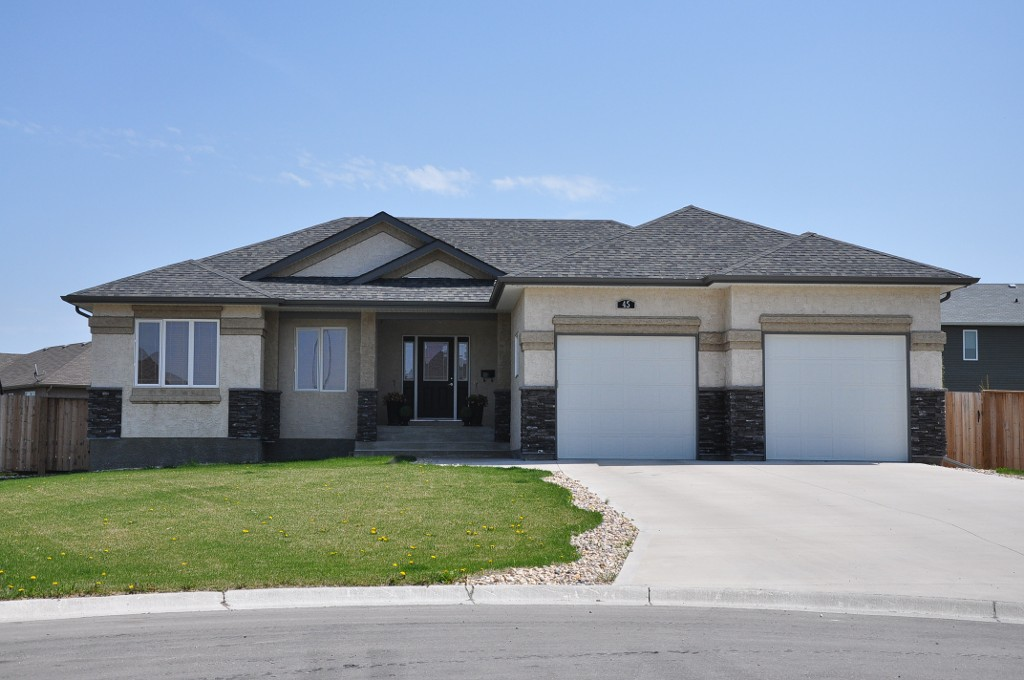 Main Photo: 45 Sage Place in Oakbank: Single Family Detached for sale : MLS® # 1209976