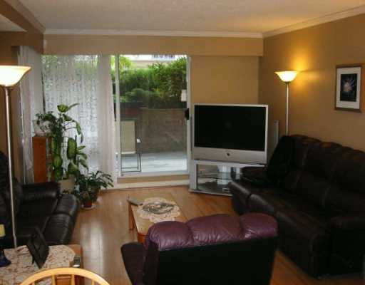 "Photo 2: 110 1011 4TH AV in New Westminster: Uptown NW Condo for sale in ""CRESTWELL MANOR"" : MLS(r) # V597960"