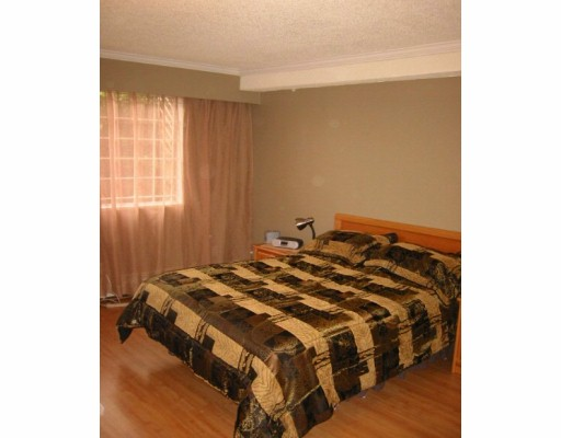 "Photo 5: 110 1011 4TH AV in New Westminster: Uptown NW Condo for sale in ""CRESTWELL MANOR"" : MLS(r) # V597960"