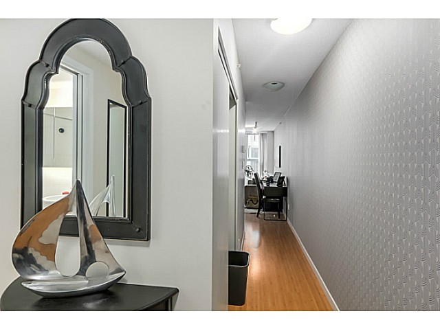 "Photo 2: 515 168 POWELL Street in Vancouver: Downtown VE Condo for sale in ""THE SMART"" (Vancouver East)  : MLS® # V1105098"