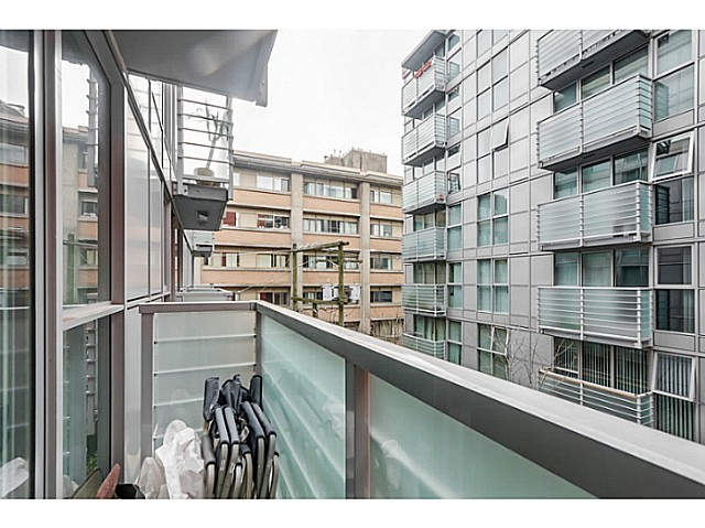 "Photo 12: 515 168 POWELL Street in Vancouver: Downtown VE Condo for sale in ""THE SMART"" (Vancouver East)  : MLS® # V1105098"