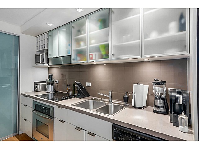 "Photo 7: 515 168 POWELL Street in Vancouver: Downtown VE Condo for sale in ""THE SMART"" (Vancouver East)  : MLS® # V1105098"