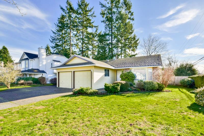 Main Photo: 15616 84A Avenue in Surrey: Fleetwood Tynehead House for sale : MLS®# R2033176