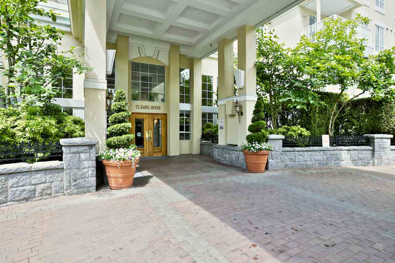 "Main Photo: 212 5835 HAMPTON Place in Vancouver: University VW Condo for sale in ""St. James"" (Vancouver West)  : MLS(r) # R2037637"