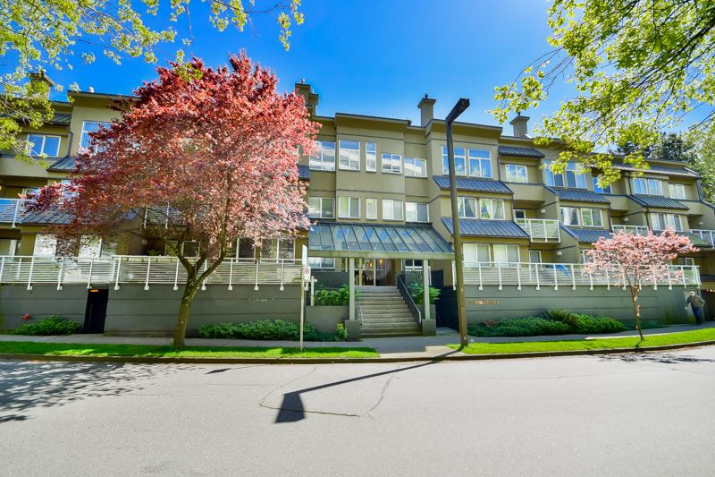 "Main Photo: 202 650 MOBERLY Road in Vancouver: False Creek Condo for sale in ""Edgewater"" (Vancouver West)  : MLS(r) # R2061455"