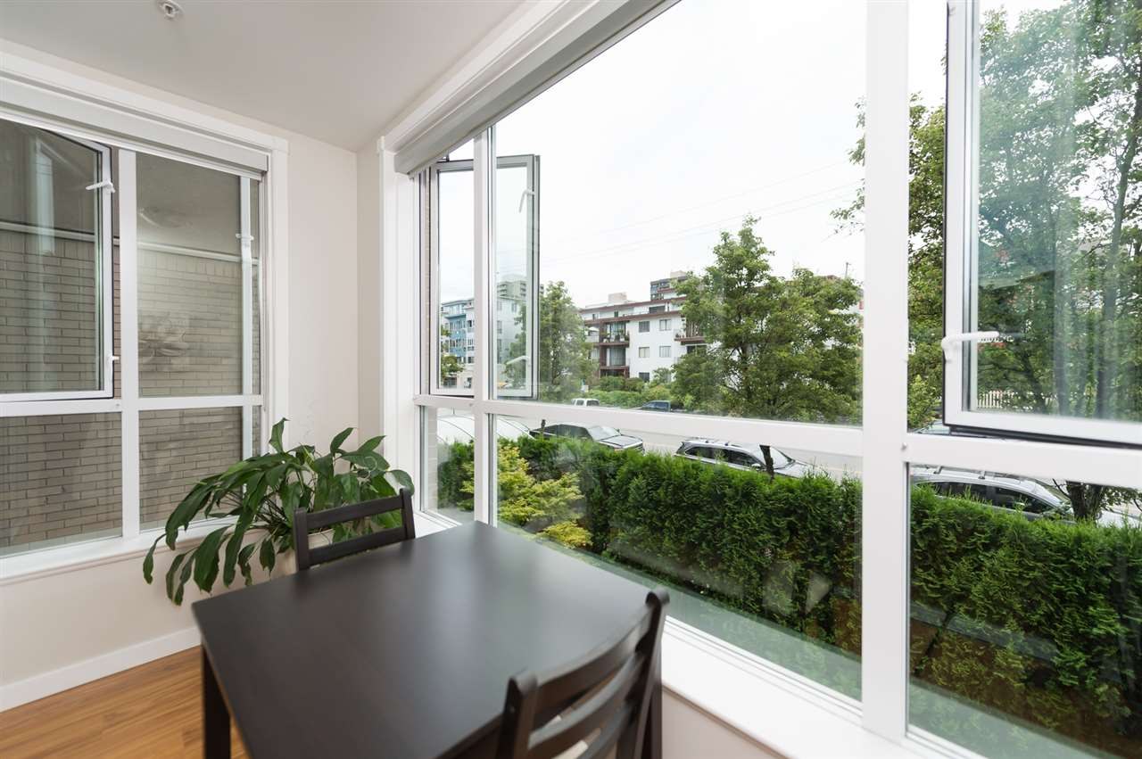 "Photo 13: 214 155 E 3RD Street in North Vancouver: Lower Lonsdale Condo for sale in ""The Solano"" : MLS® # R2077996"