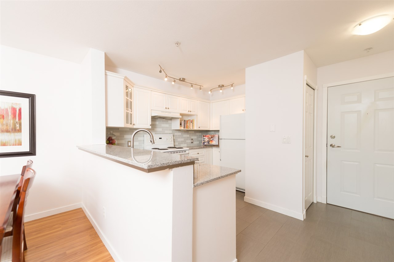 "Photo 8: 214 155 E 3RD Street in North Vancouver: Lower Lonsdale Condo for sale in ""The Solano"" : MLS(r) # R2077996"