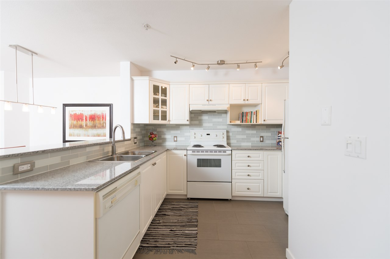 "Photo 9: 214 155 E 3RD Street in North Vancouver: Lower Lonsdale Condo for sale in ""The Solano"" : MLS(r) # R2077996"