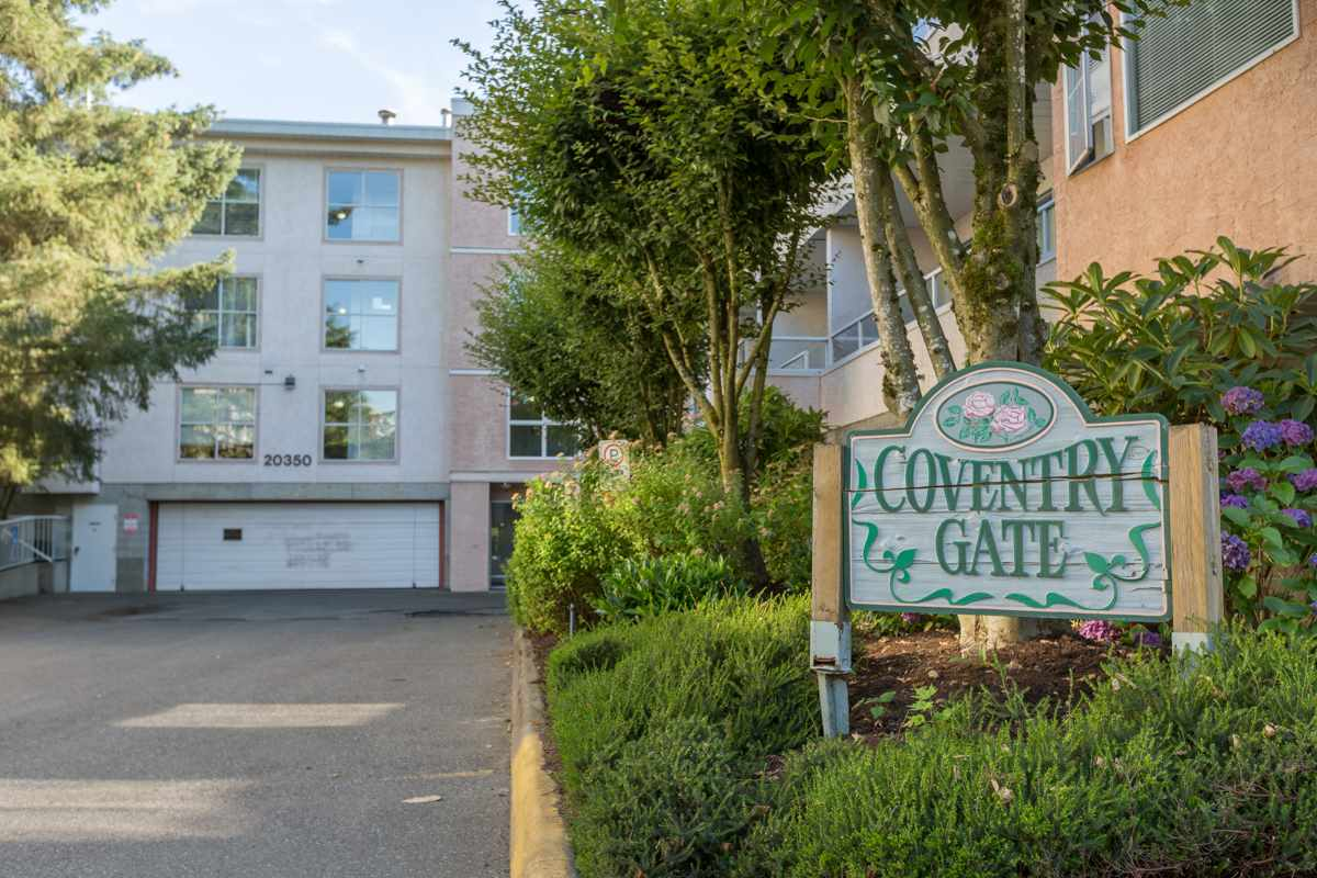 "Main Photo: 104 20350 54TH Avenue in Langley: Langley City Condo for sale in ""Coventry Gate"" : MLS® # R2096484"