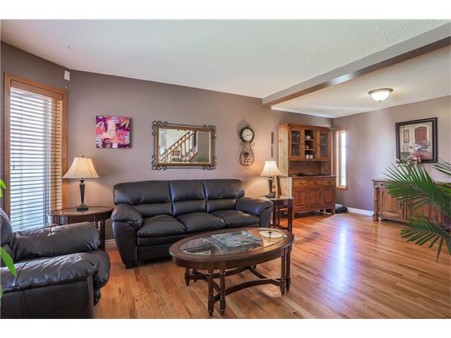 Photo 3: 529 SCHOONER Cove NW in Calgary: Scenic Acres House for sale : MLS(r) # C4076200