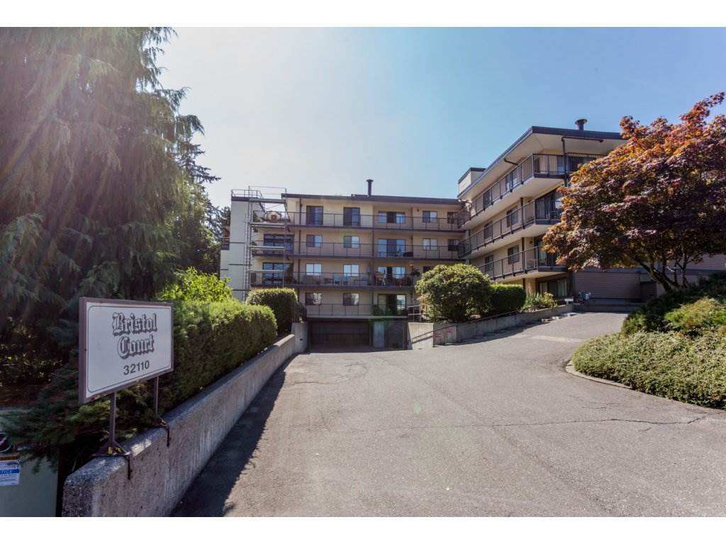 "Main Photo: 106 32110 TIMS Avenue in Abbotsford: Abbotsford West Condo for sale in ""Bristol Court"" : MLS®# R2101320"