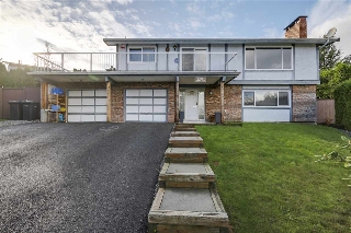 "Main Photo: 2950 ADMIRAL Court in Coquitlam: Ranch Park House for sale in ""RANCH PARK"" : MLS® # R2123098"