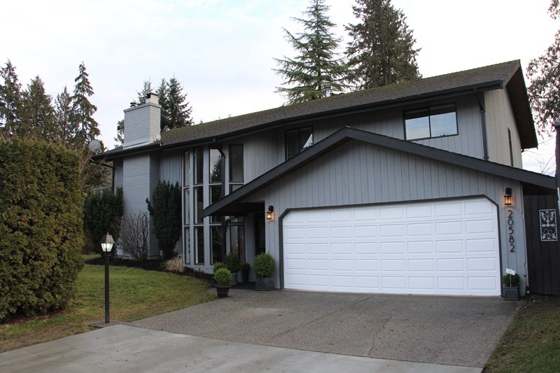 "Main Photo: 20582 45A Avenue in Langley: Langley City House for sale in ""Mossey Estates"" : MLS® # R2132146"
