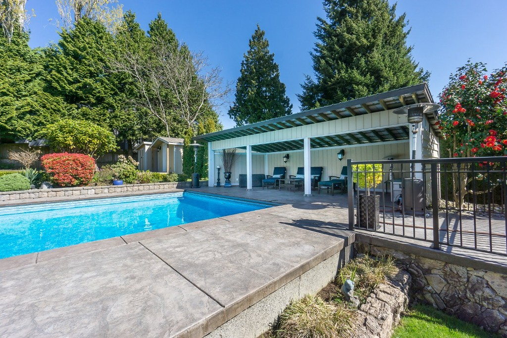 Photo 44: 12807 SOUTHRIDGE Drive in Surrey: Panorama Ridge House for sale : MLS(r) # R2138165