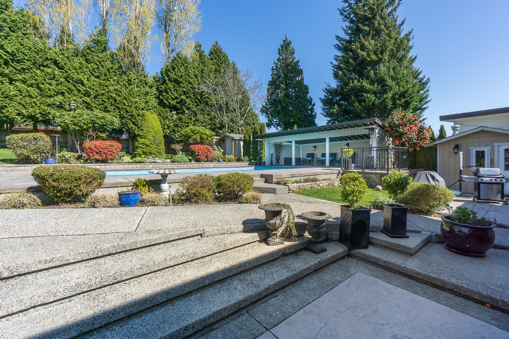 Photo 47: 12807 SOUTHRIDGE Drive in Surrey: Panorama Ridge House for sale : MLS(r) # R2138165