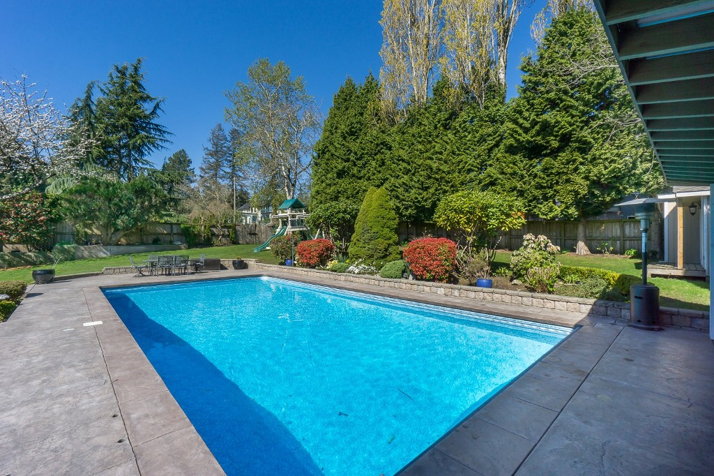 Photo 45: 12807 SOUTHRIDGE Drive in Surrey: Panorama Ridge House for sale : MLS(r) # R2138165