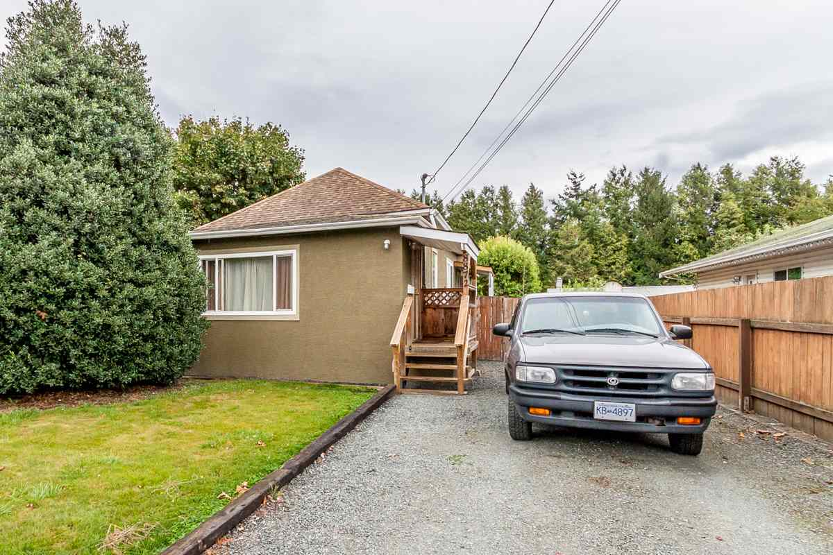 Main Photo: 8872 ELM Drive in Chilliwack: Chilliwack E Young-Yale House for sale : MLS® # R2146987