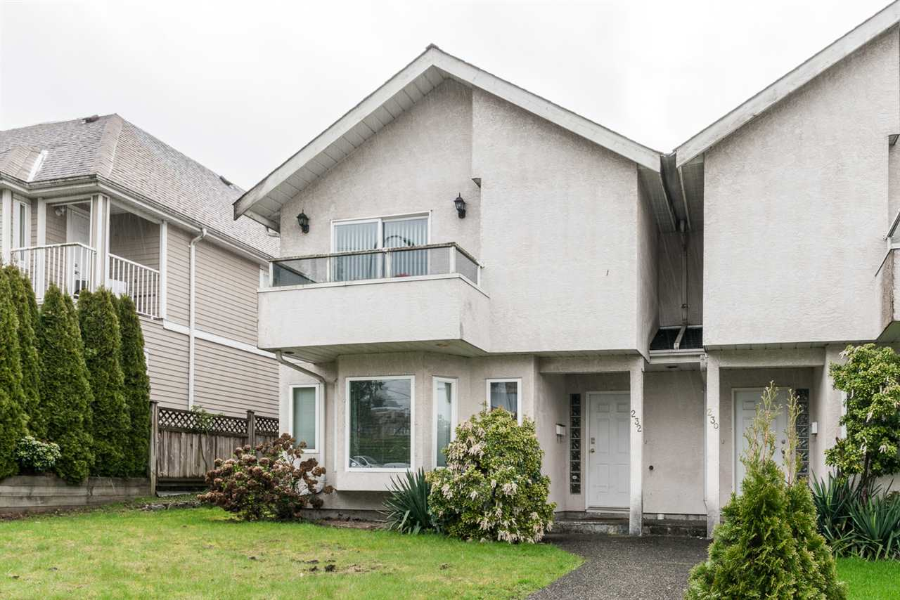 Main Photo: 232 ST. PATRICKS Avenue in North Vancouver: Lower Lonsdale House 1/2 Duplex for sale : MLS(r) # R2158340