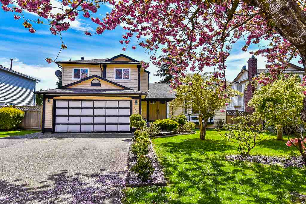 Main Photo: 12290 72A Avenue in Surrey: West Newton House for sale : MLS®# R2162774