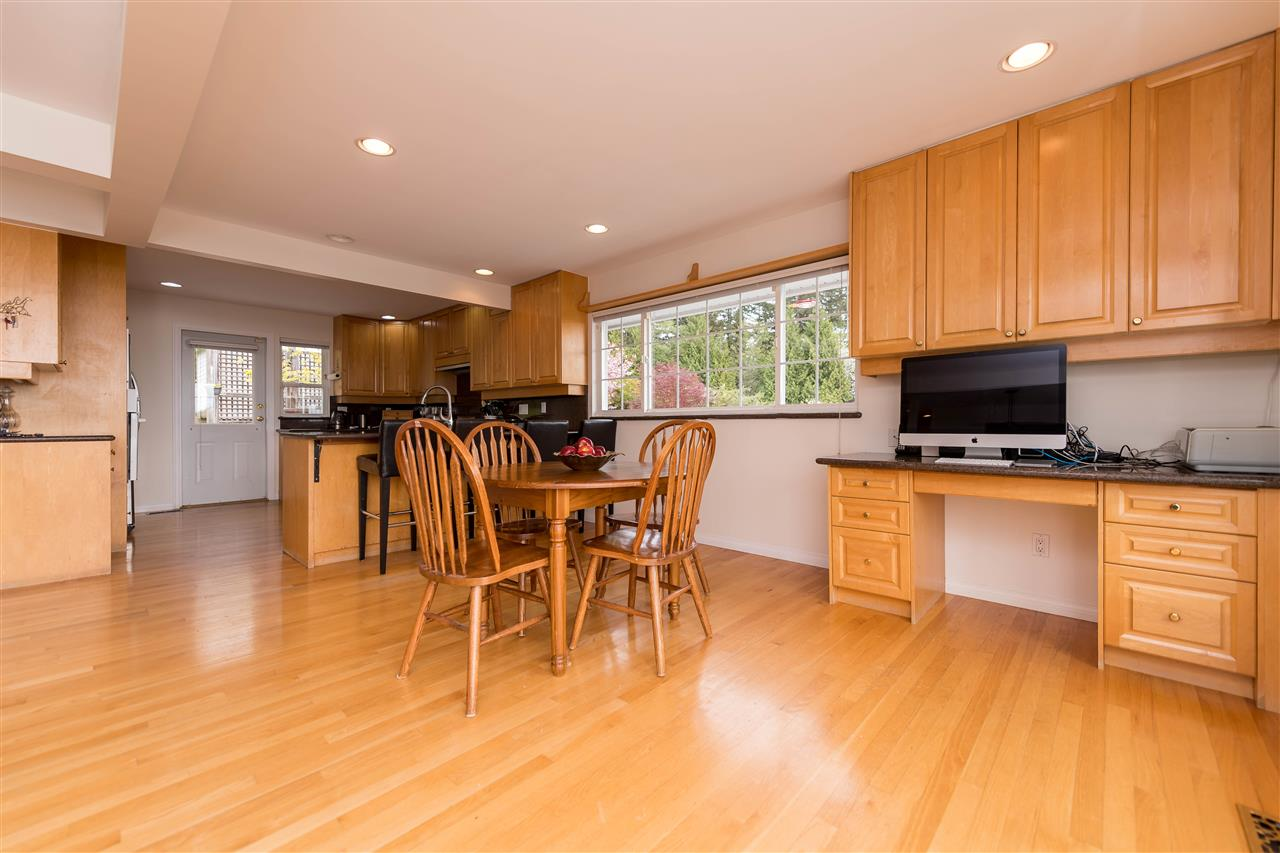 Photo 5: 380 VENTURA Crescent in North Vancouver: Upper Delbrook House for sale : MLS(r) # R2166163