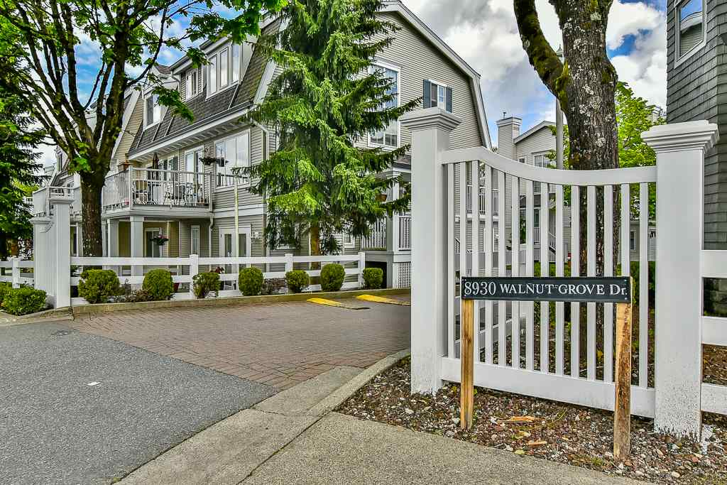 "Main Photo: 56 8930 WALNUT GROVE Drive in Langley: Walnut Grove Townhouse for sale in ""Highland Ridge"" : MLS(r) # R2167398"