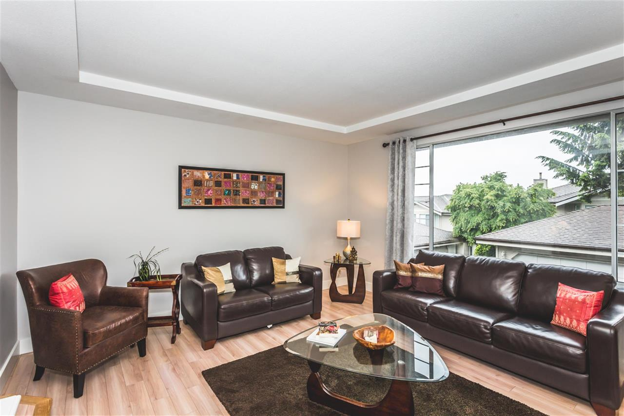 "Photo 2: 115 2880 PANORAMA Drive in Coquitlam: Westwood Plateau Townhouse for sale in ""GREEY HAWKE ESTATES"" : MLS(r) # R2178093"