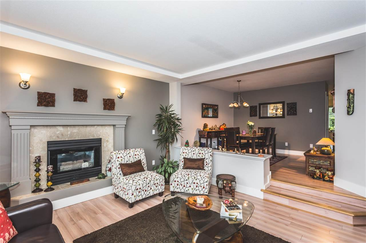 "Photo 3: 115 2880 PANORAMA Drive in Coquitlam: Westwood Plateau Townhouse for sale in ""GREEY HAWKE ESTATES"" : MLS(r) # R2178093"