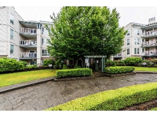 "Main Photo: 402 20200 54A Avenue in Langley: Langley City Condo for sale in ""Monterey Grande"" : MLS(r) # R2179036"