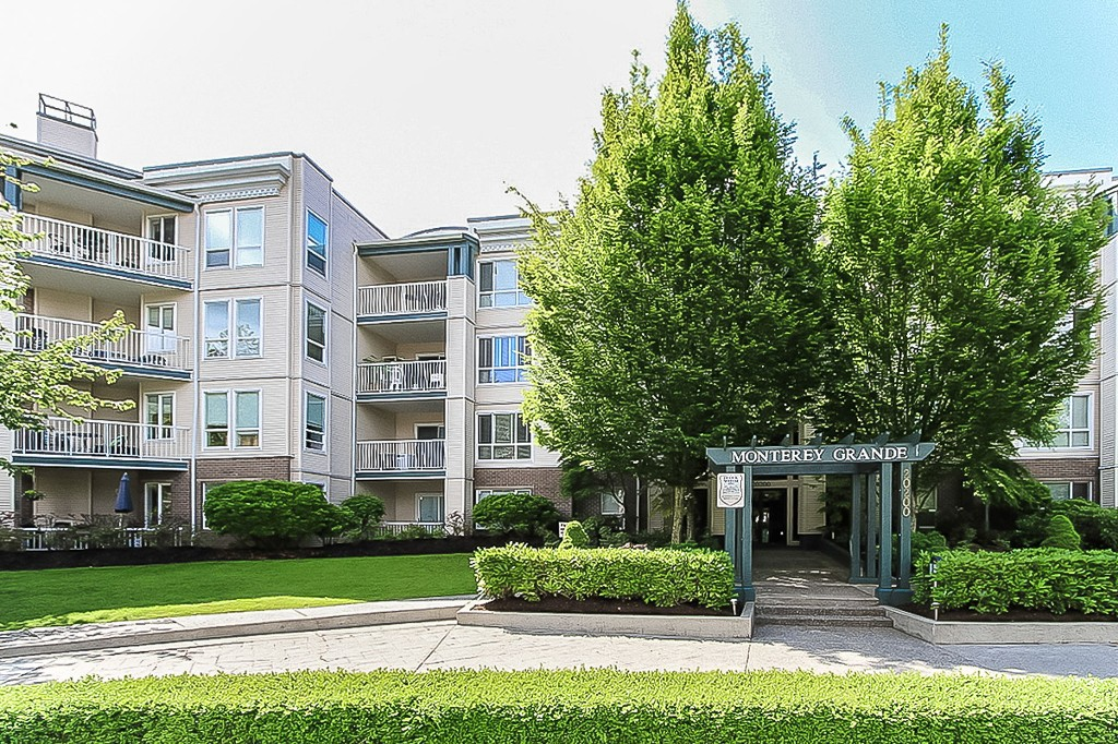 Welcome to #402 - 20200 54A Avenue, Langley, BC in the sought-after Monterey Grande condiminium complex.