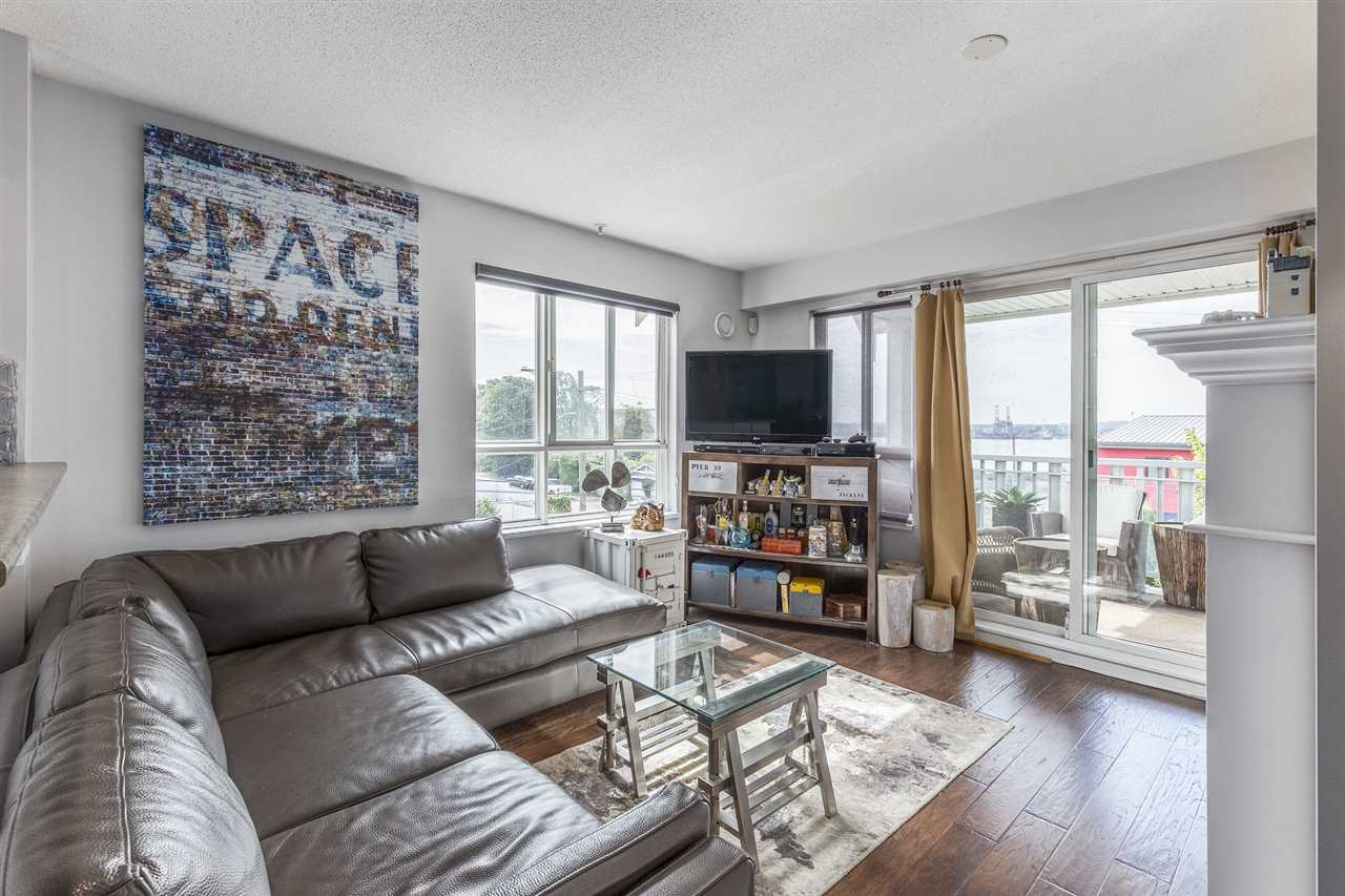 "Main Photo: 204 365 E 1ST Street in North Vancouver: Lower Lonsdale Condo for sale in ""VISTA WEST AT HAMERSLEY PARK"" : MLS® # R2198048"