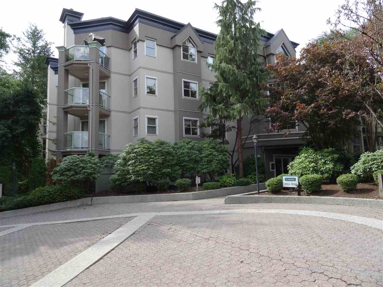 "Main Photo: 410A 2615 JANE Street in Port Coquitlam: Central Pt Coquitlam Condo for sale in ""BURLEIGH GREEN"" : MLS® # R2198420"