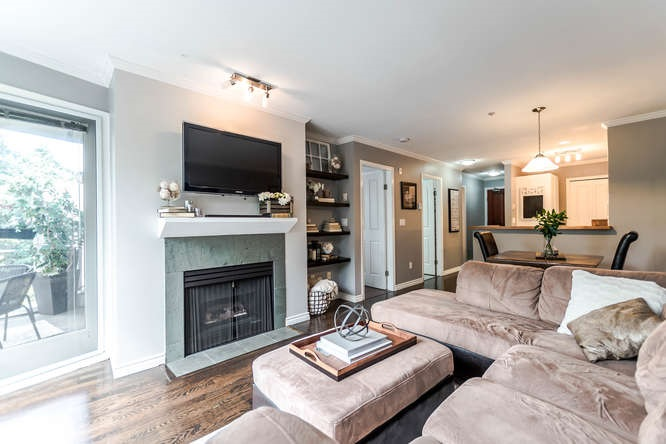 Main Photo: 307 2575 W 4TH Avenue in Vancouver: Kitsilano Condo for sale (Vancouver West)  : MLS® # R2202566