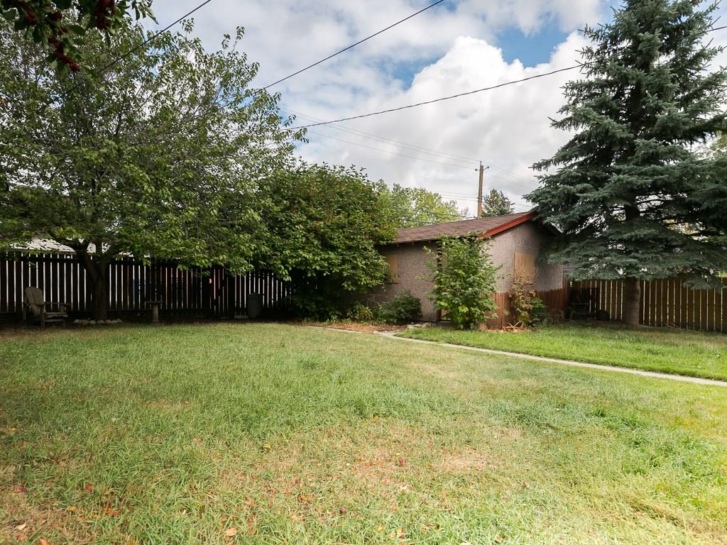 Photo 3: 2020 9 Avenue SE in Calgary: Inglewood House for sale : MLS® # C4138349