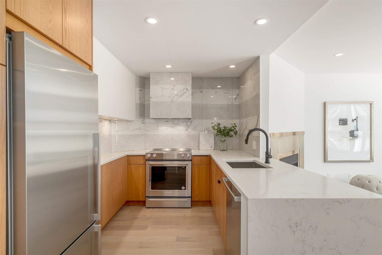 Main Photo: 310 1082 W 8TH AVENUE in Vancouver: Fairview VW Condo for sale (Vancouver West)  : MLS®# R2199592