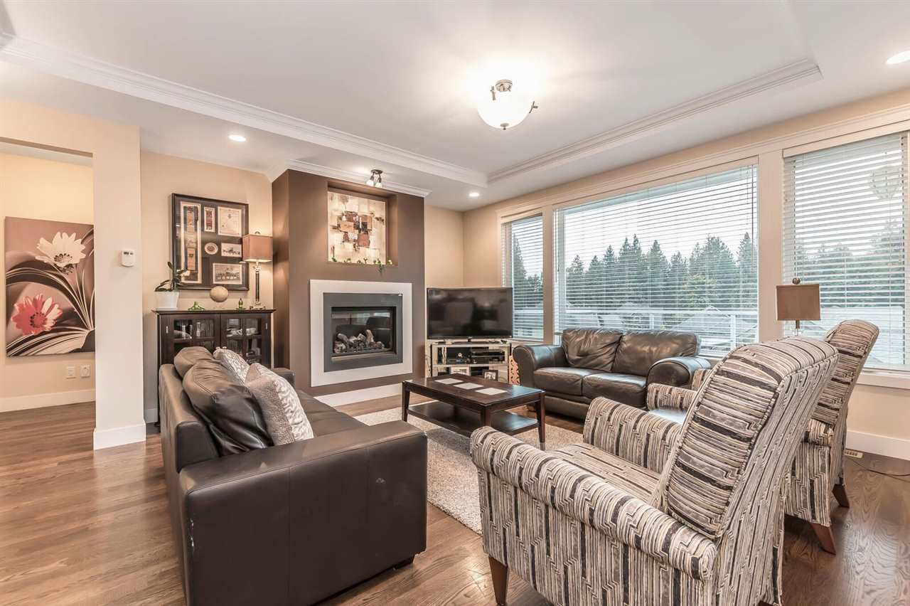 "Photo 10: Photos: 3 50354 ADELAIDE Place in Chilliwack: Eastern Hillsides House for sale in ""Elk Creek Park"" : MLS® # R2212477"