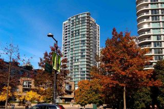 Main Photo: 2001 1008 CAMBIE STREET in Vancouver: Yaletown Condo for sale (Vancouver West)  : MLS® # R2217293