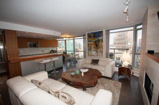 "Main Photo: 2201 867 HAMILTON Street in Vancouver: Downtown VW Condo for sale in ""JARDINE'S LOOKOUT"" (Vancouver West)  : MLS®# R2247135"