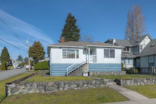 "Main Photo: 2239 LONDON Street in New Westminster: Connaught Heights House for sale in ""Connaught Heights"" : MLS® # R2248885"