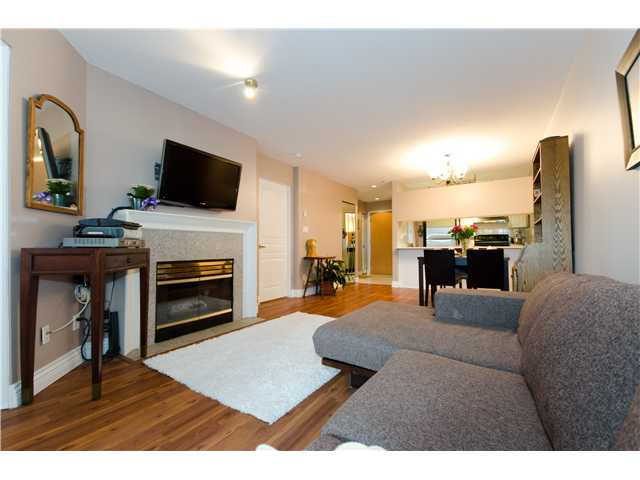 "Main Photo: E309 515 E 15TH Avenue in Vancouver: Mount Pleasant VE Condo for sale in ""HARVARD PLACE"" (Vancouver East)  : MLS® # V908538"