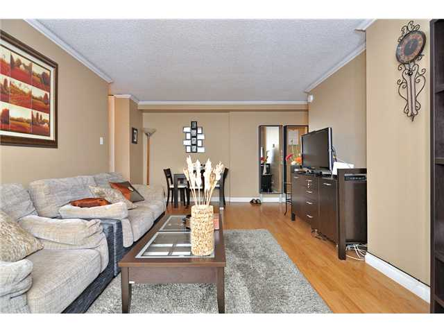 Photo 3: # 704 4160 SARDIS ST in Burnaby: Central Park BS Condo for sale (Burnaby South)  : MLS(r) # V934100