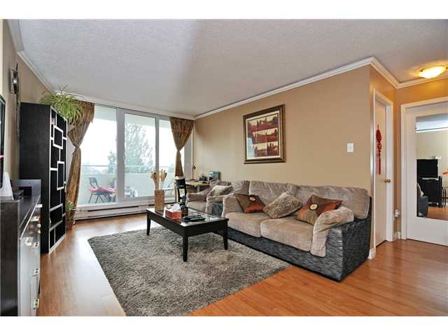 Photo 2: # 704 4160 SARDIS ST in Burnaby: Central Park BS Condo for sale (Burnaby South)  : MLS(r) # V934100