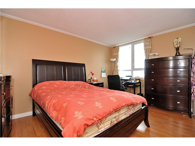 Photo 5: # 704 4160 SARDIS ST in Burnaby: Central Park BS Condo for sale (Burnaby South)  : MLS(r) # V934100