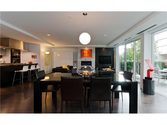 "Photo 2: 1510 HOMER ME in Vancouver: Yaletown Townhouse for sale in ""THE ERICKSON"" (Vancouver West)  : MLS® # V977494"
