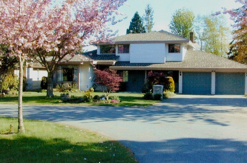 "Main Photo: 1632 133A ST in White Rock: Crescent Bch Ocean Pk. House for sale in ""AMBLE GREENE"" (South Surrey White Rock)  : MLS®# F2616692"