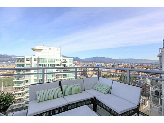 "Photo 15: 2206 120 MILROSS Avenue in Vancouver: Mount Pleasant VE Condo for sale in ""THE BRIGHTON"" (Vancouver East)  : MLS® # V1108623"