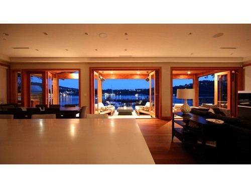 Main Photo: 3771 DOLLARTON Highway in North Vancouver: Roche Point Home for sale ()  : MLS® # V1041520