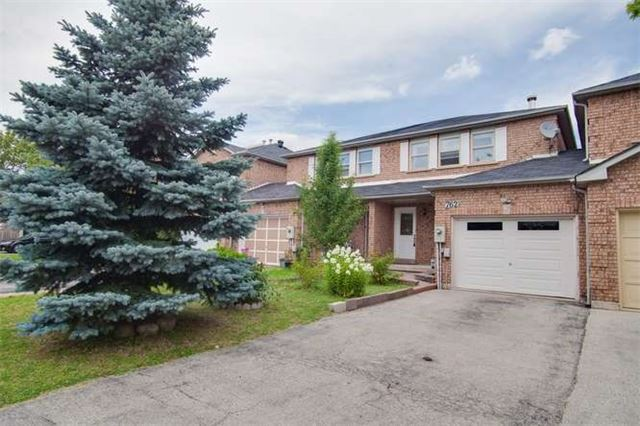 Main Photo: 762 Ashprior Avenue in Mississauga: Hurontario House (2-Storey) for sale : MLS(r) # W3273410