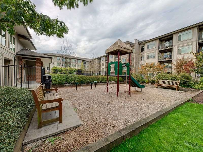 "Photo 14: 102 9199 TOMICKI Avenue in Richmond: West Cambie Condo for sale in ""MERIDIAN GATE"" : MLS(r) # R2006928"
